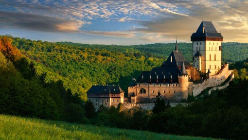 One day tour to Karlstejn castle